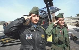 kadin-pilotlar-generalleri-aglatti-568681